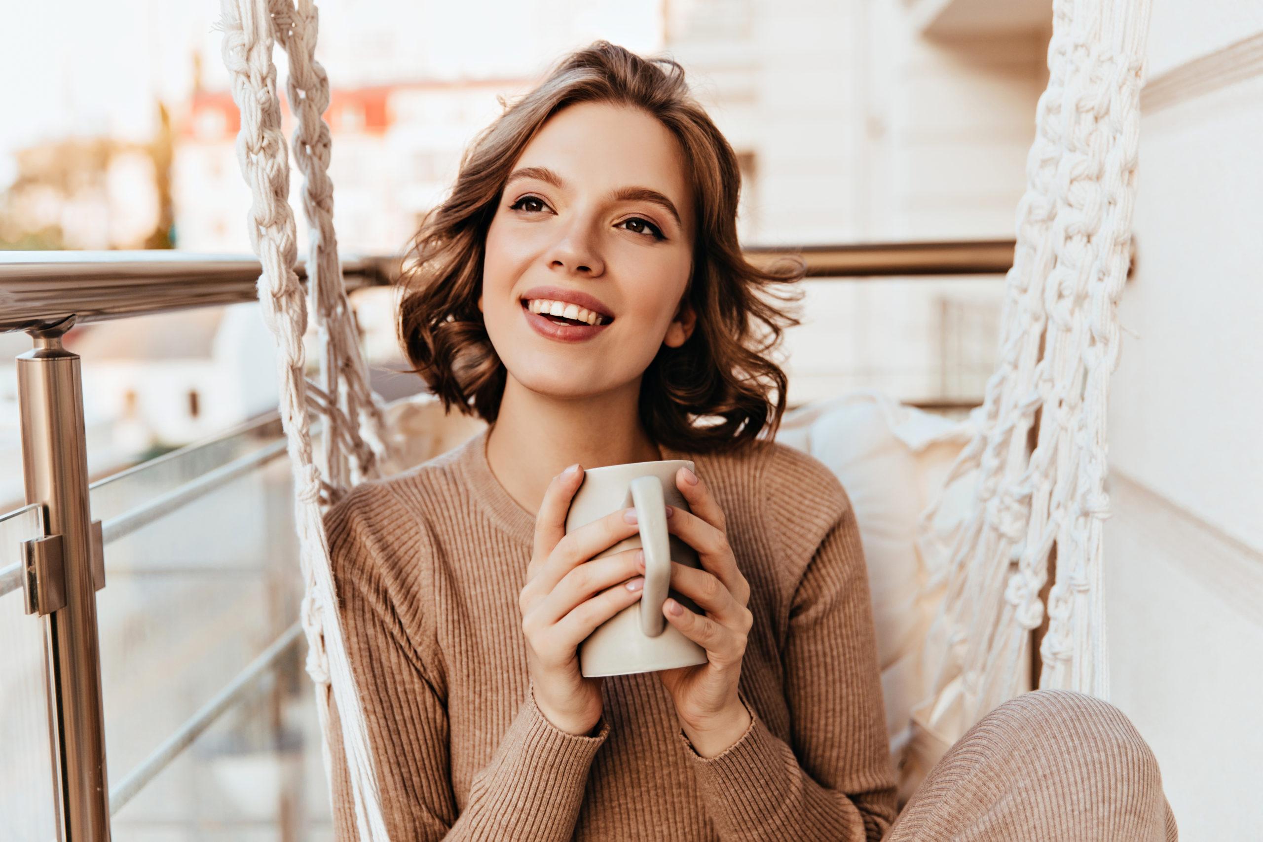 אישה שמחה